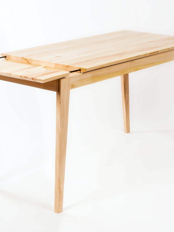 Pisarniška miza